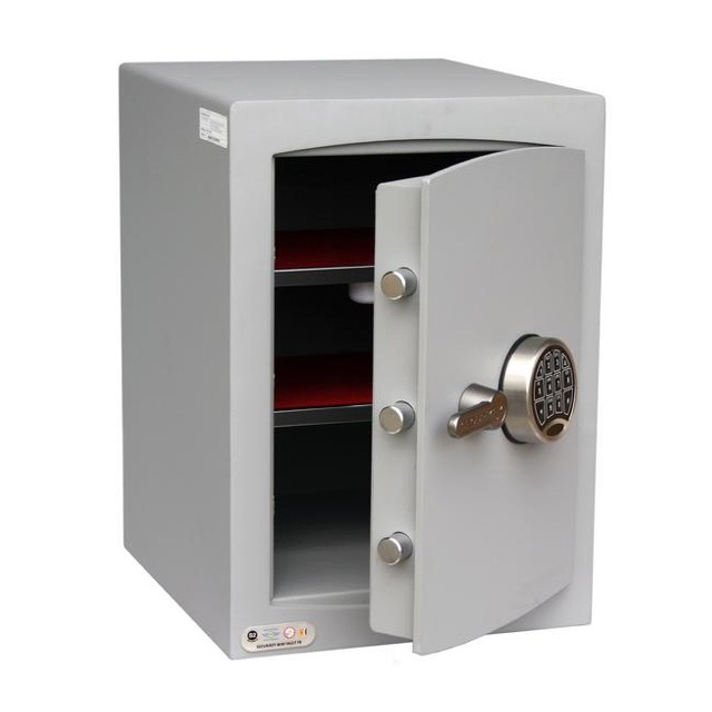 Business and commercial safes